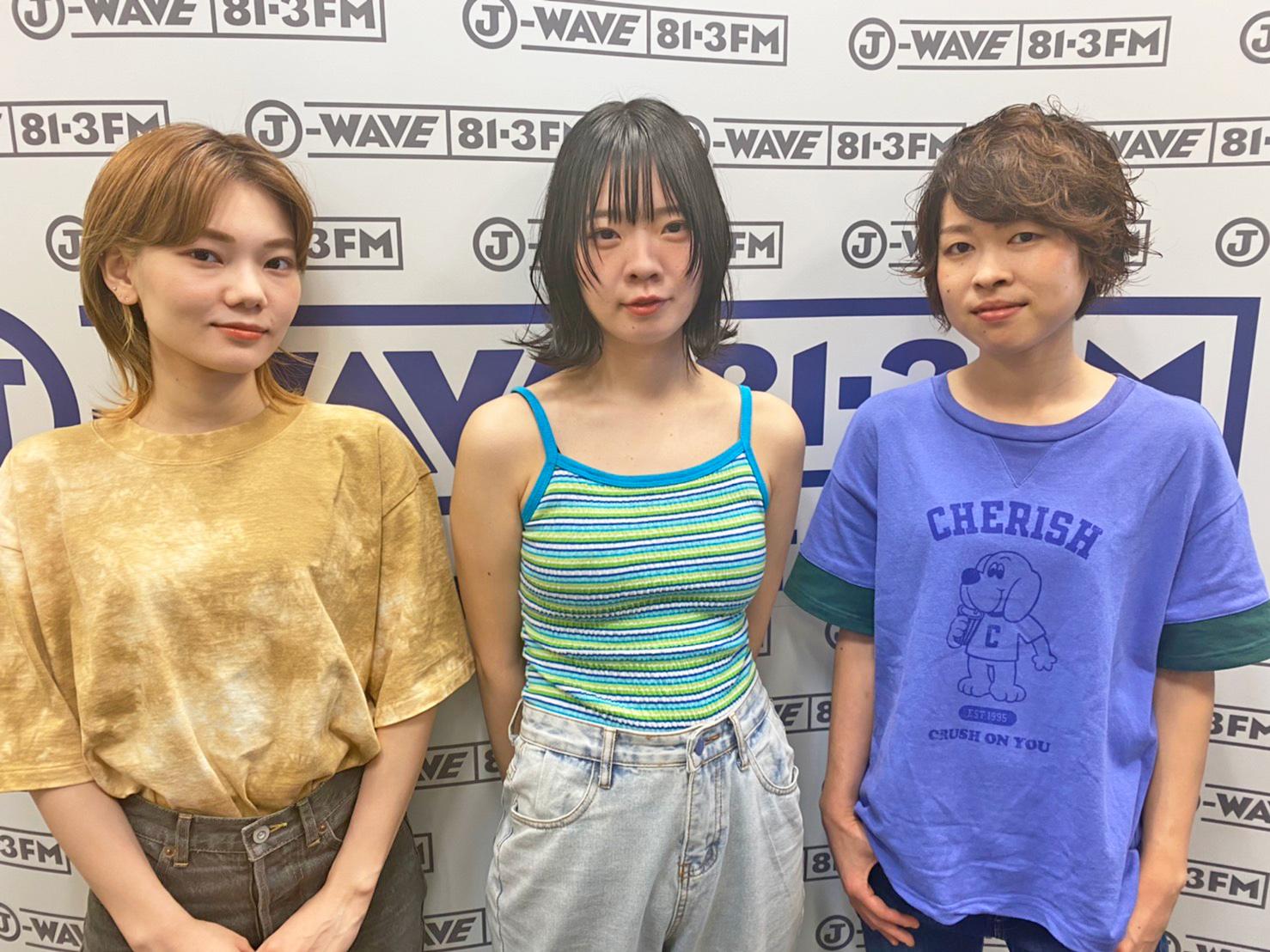 https://www.j-wave.co.jp/blog/spark/images/0817_SHISHAMO.jpg
